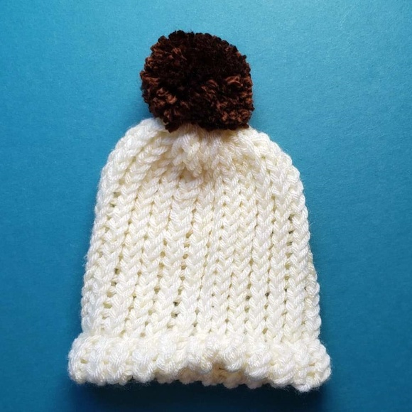 9046c1092 NB hand knit baby hat